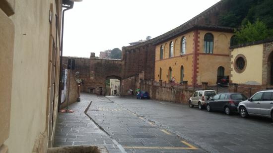 Siena 6 Porta Fontebranda